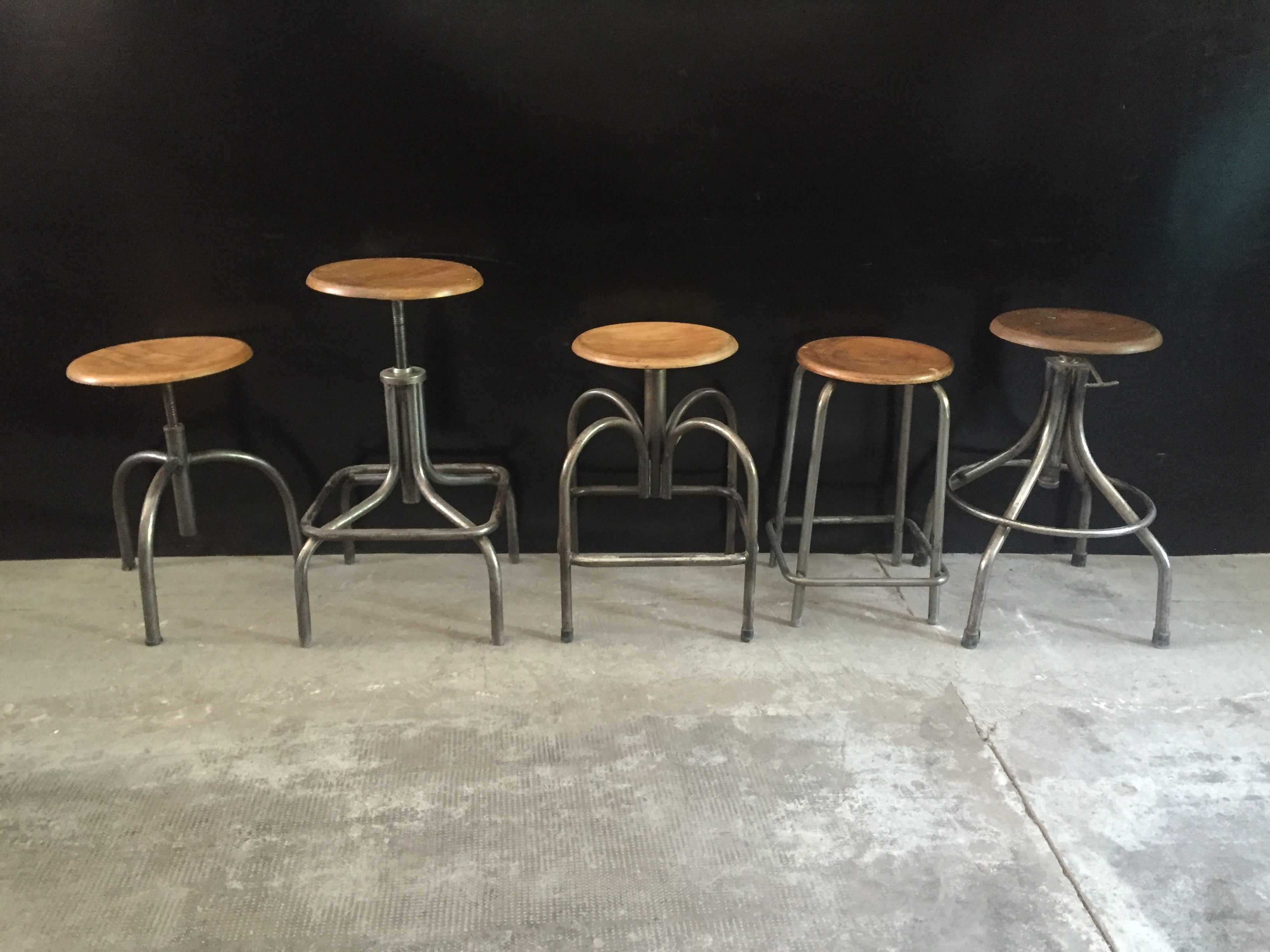 Soggiorno decorazione d interni bar caffè con barra di legno e una